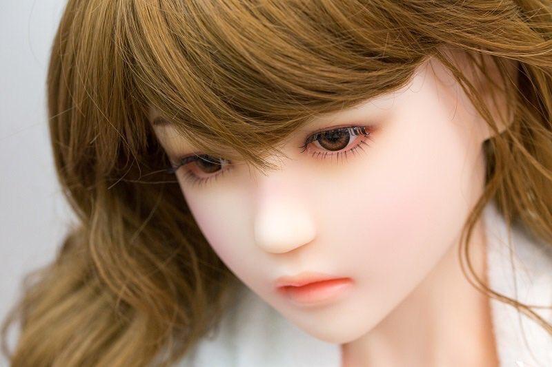 憂いの表情のLOVEDOLLなら大阪の信長書店日本橋店アダルトグッズコーナーへ!